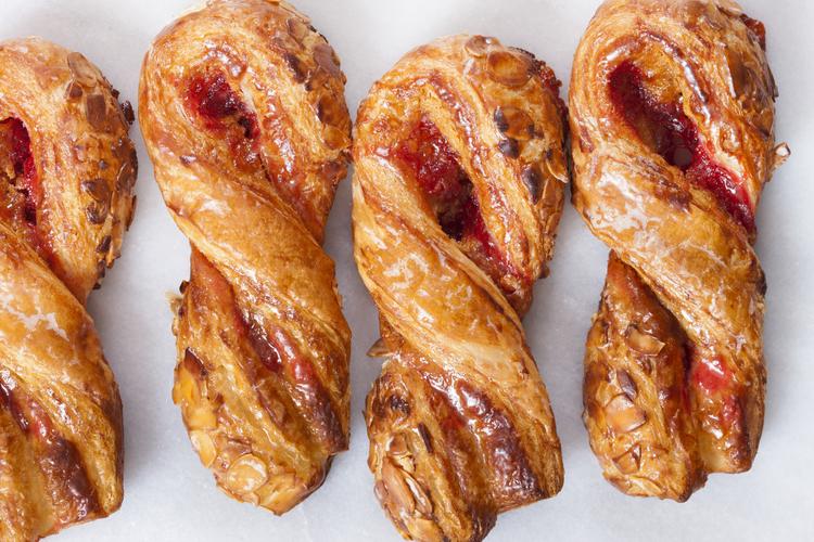 Raspberry Almond Twist 3.35