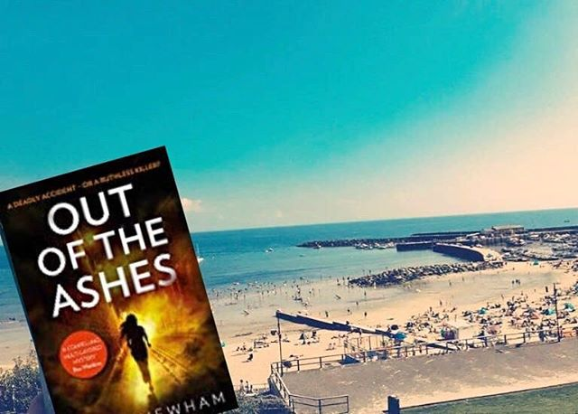 The lovely @ronnieturner8702 posted this pic of OUT OF THE ASHES on Twitter. Isn't it gorgeous? Crimefictionlover has just given it ⭐⭐⭐⭐⭐ and the Times Crime Club chose it as one of their May picks.  Have you met DI Maya Rahman yet?  You can pre-order your copy here: https://amzn.to/2QdcQKS