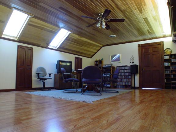 The LIVE Room - & Meeting Room - &Listening Room. And yes - that TV is now gone...!