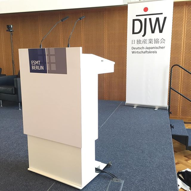 CEO of RoboticsX speaking at DJW Berlin 2018!
