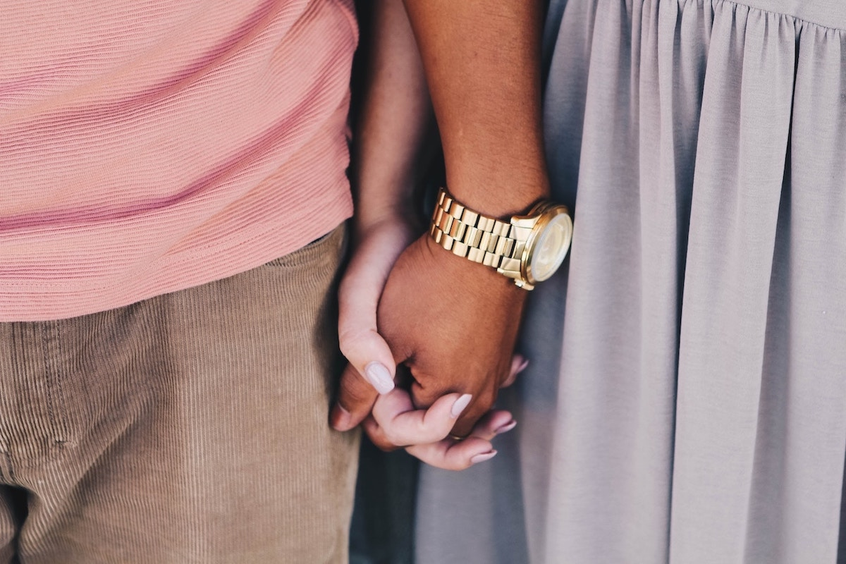 3-easy-ways-to-better-uplift-your-man-and-build-your-relationship-couple-holding-hands