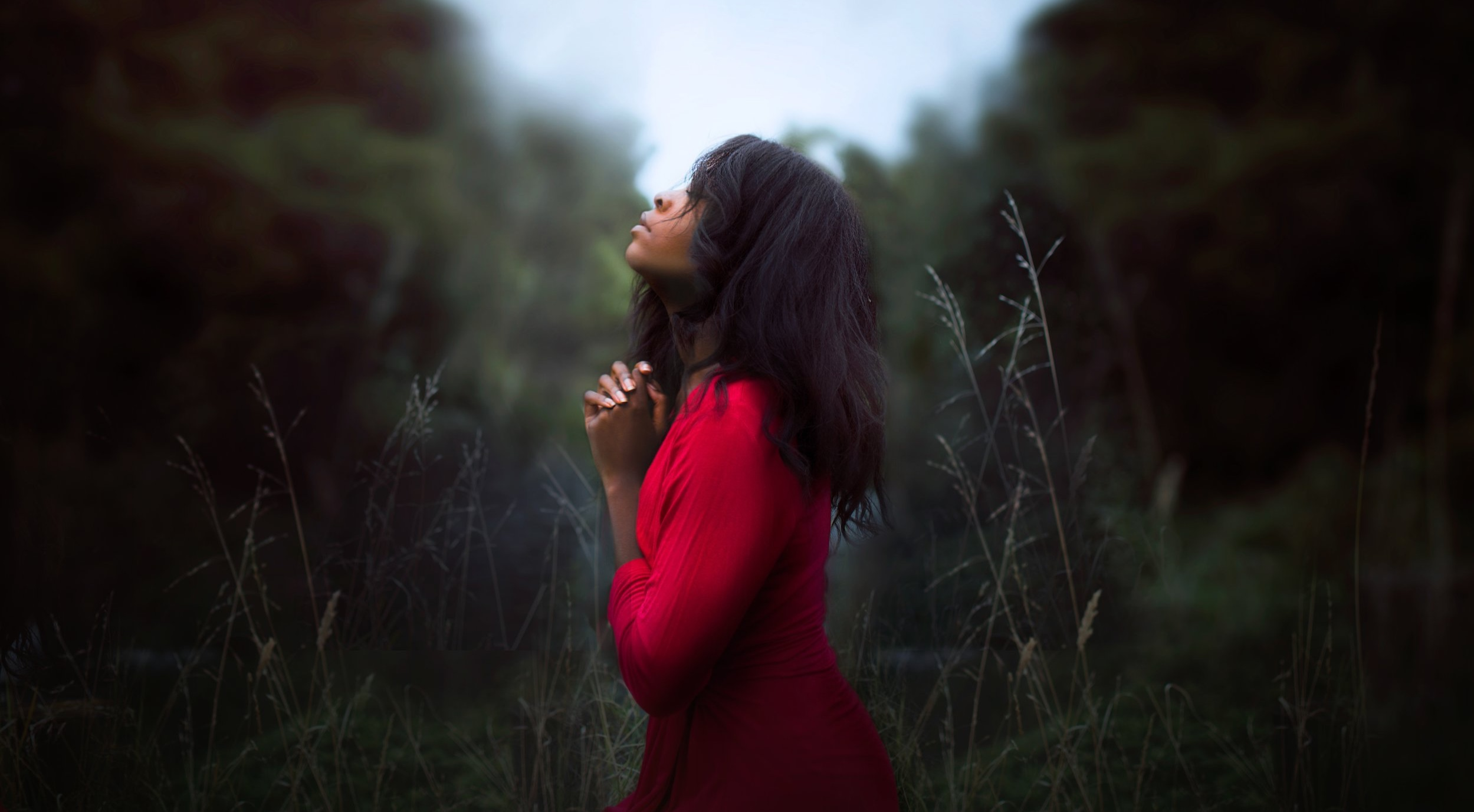 woman-praying-how-to-pray-effectively