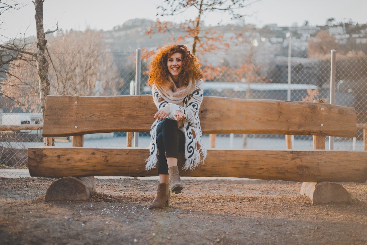 woman-sitting-on-bench-bible-study-tips