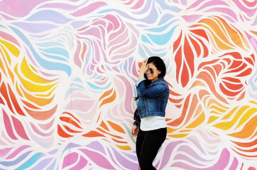 woman-colorful-background-art-wall
