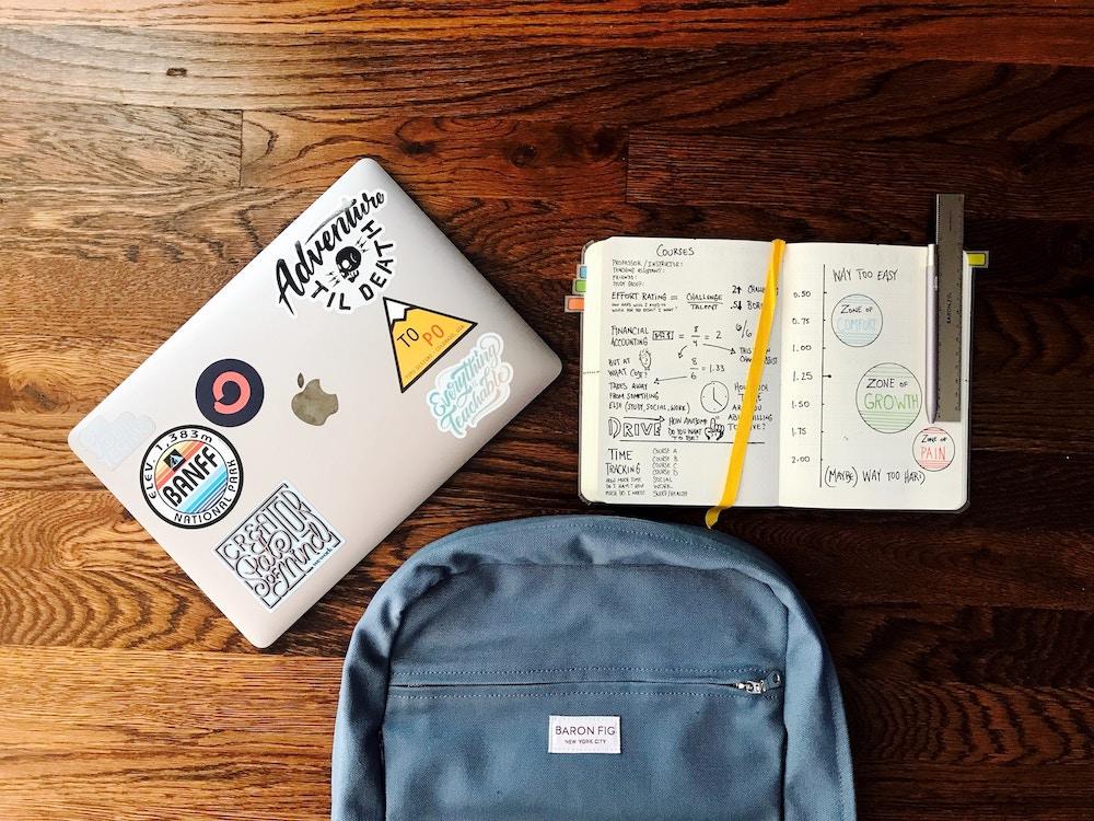 backpack-apple-laptop-notebook