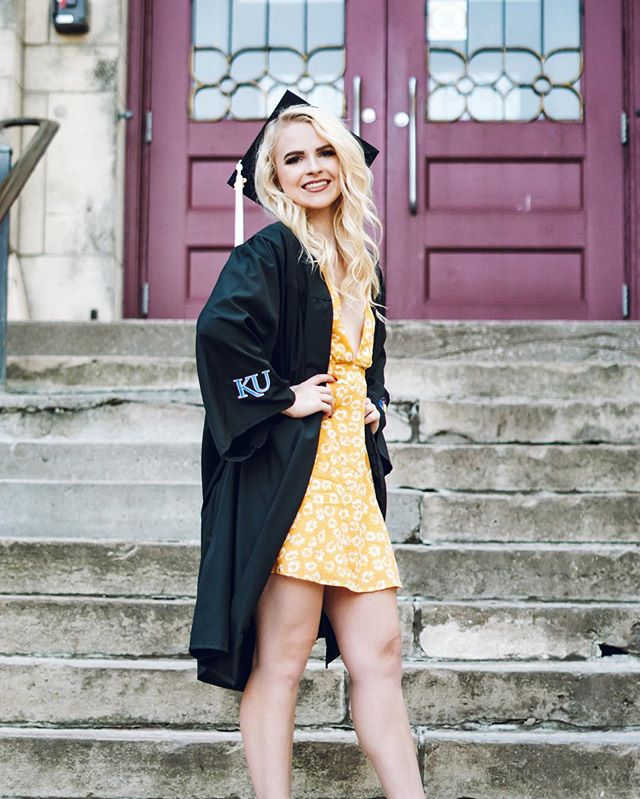 Blog post is up featuring all my graduation pics and giving a life update on what's next for me😍 Thank you to my wonderful and talented friend @lunadrea @purelydrea @purelygypsy for taking pictures I will cherish a life time❤️