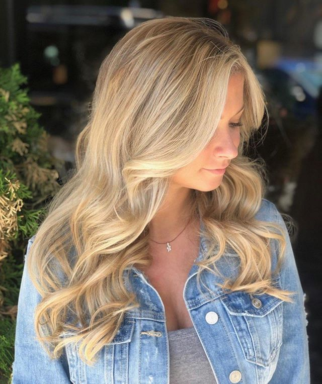 Gorgeous blonde balayage! Base color, balayage-esc highlight, gloss and haircut by @julielrapp 's  genius apprentice @jennifer.henriques! A year in the making and Jennifer is killing it! Jenn and I have worked our asses off getting her to where she's needs to be! Creating beautiful hair! I couldn't be more proud...blood, sweat and tears included. Thanks @abright0413 for filling in mentor style.  Can't do this without our amazing team! Thankful to say the least.. #thecovesalonbellevue  #thecovesalon  #balayage  #blondebalayage  #workstudy  #apprenticeship  #labiosthetiquecolor