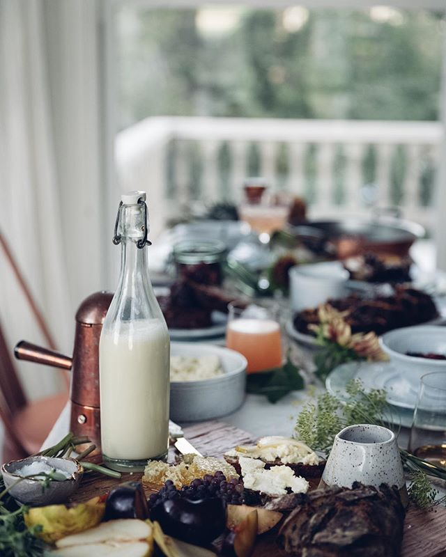 Will your SUPPER be held in a formal dining room, a lively restaurant, or on couches around the coffee table? The possibilities are endless and completely up to you! #SupperForSafeHaven