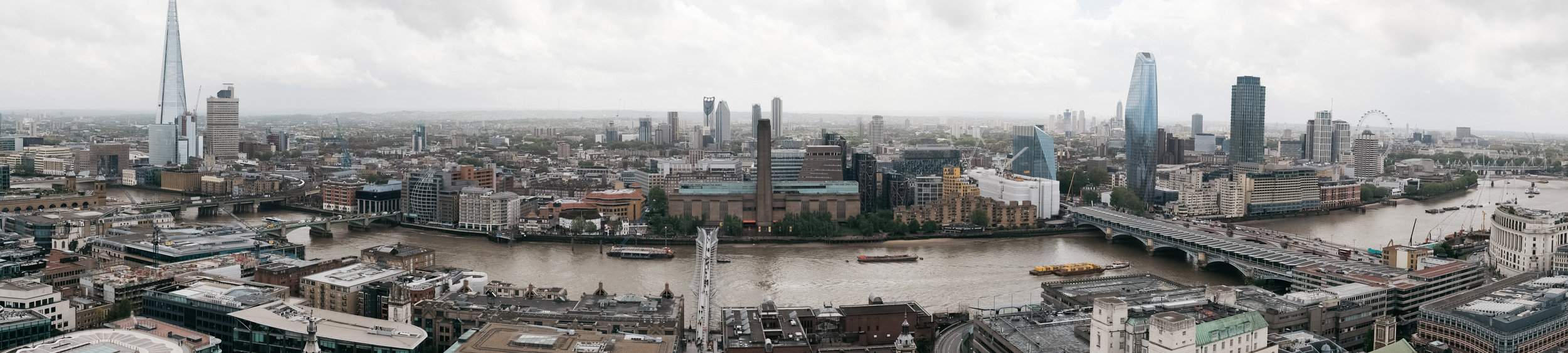 Panoramic view of London from atop St. Paul's Cathedral Dome. Shot on the X-T20 with the Fujinon 23mm 1.4.