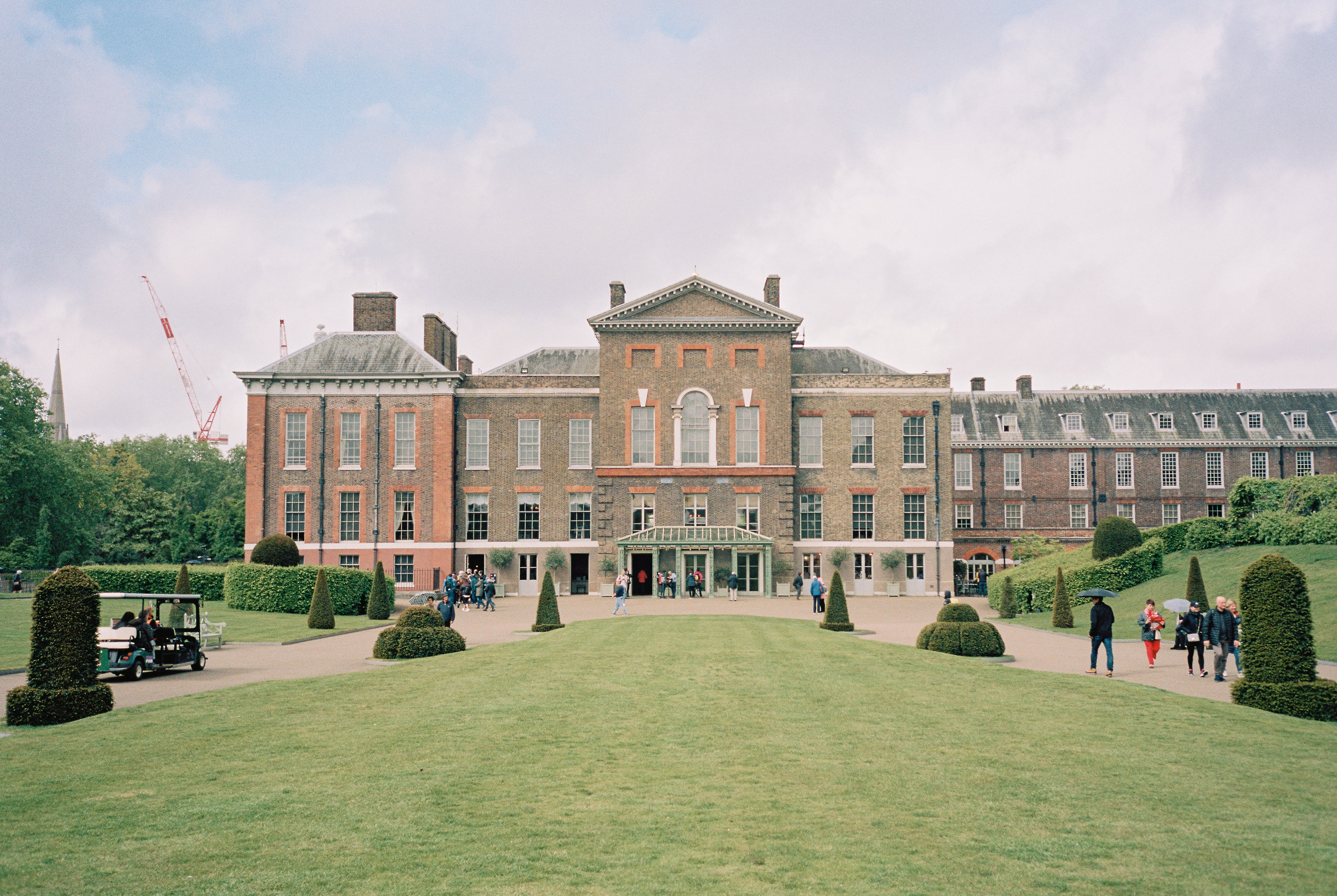 Kensington Palace | Contax T3 + Portra 160. Scanned on Fuji Frontier SP3000.