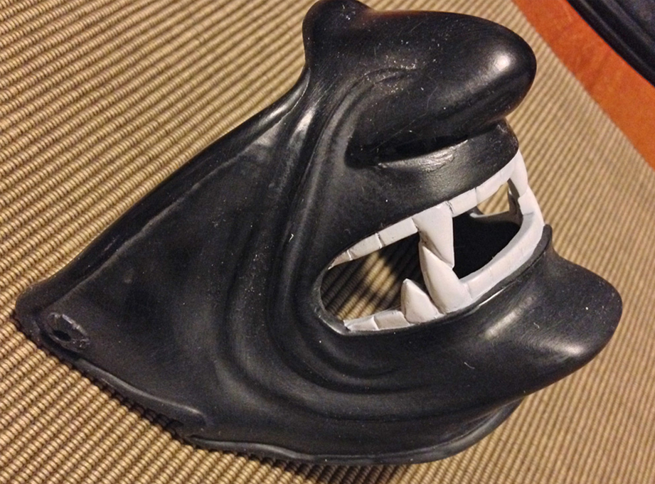 My resin copy of the mask gets epoxy putty fangs. Grrrrr!