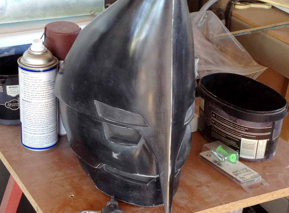 After the putty stages, I sprayed the helmet several coats of primer and then sanded it up to 1000 grit.