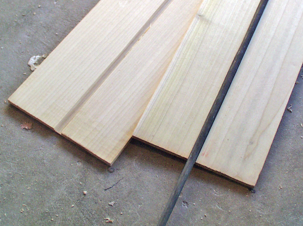 For the blade, I used 1/4″ Poplar with a channel cut to contain a 5/16″ steel rod.