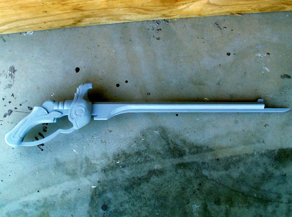 The final assembly. The cylindrical part of the receiver was lathed from pine leftover from the barrel.