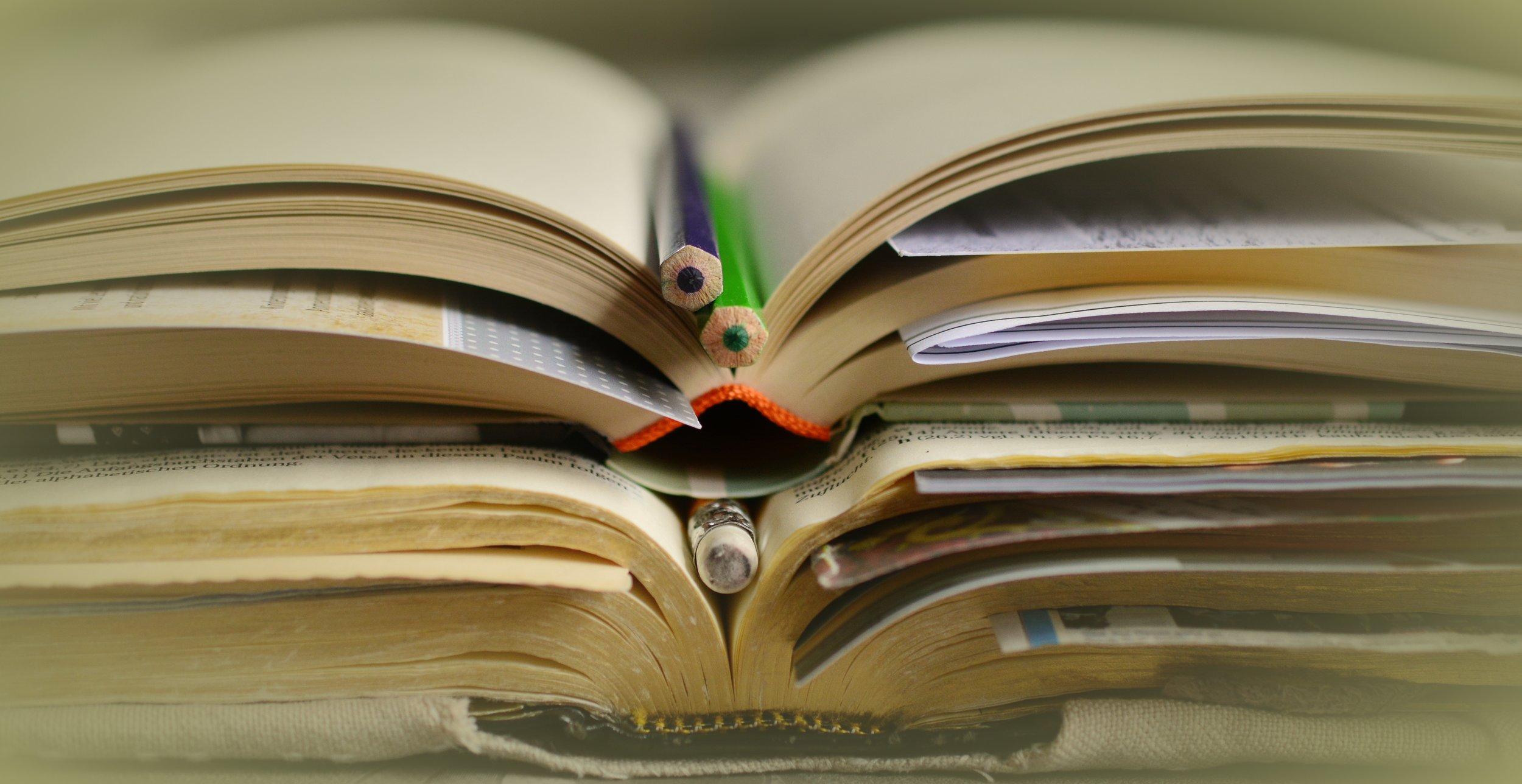 books-2158773.jpg