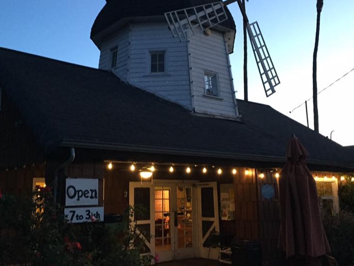 Windmill Cafe - Charming, tasty and close to the beach.