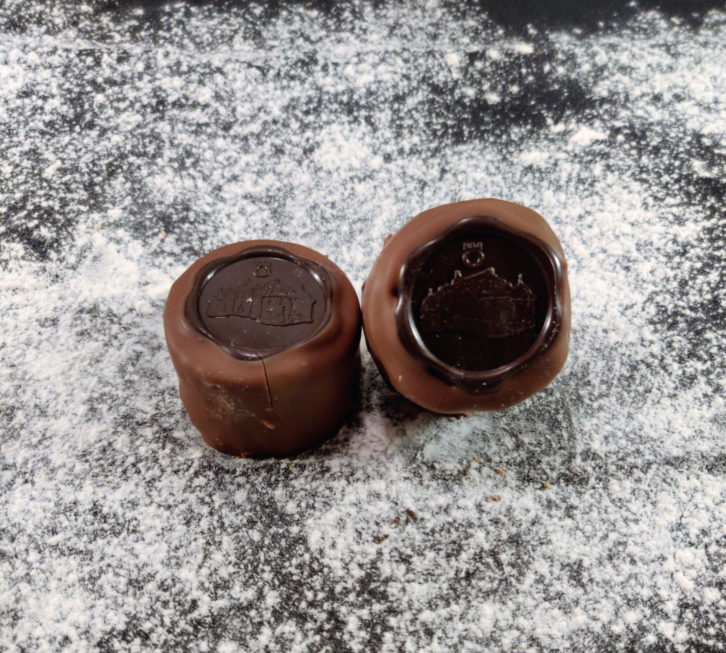 Mördeg, avbakad Mandelmassa, Chokladtryffel, Choklad.