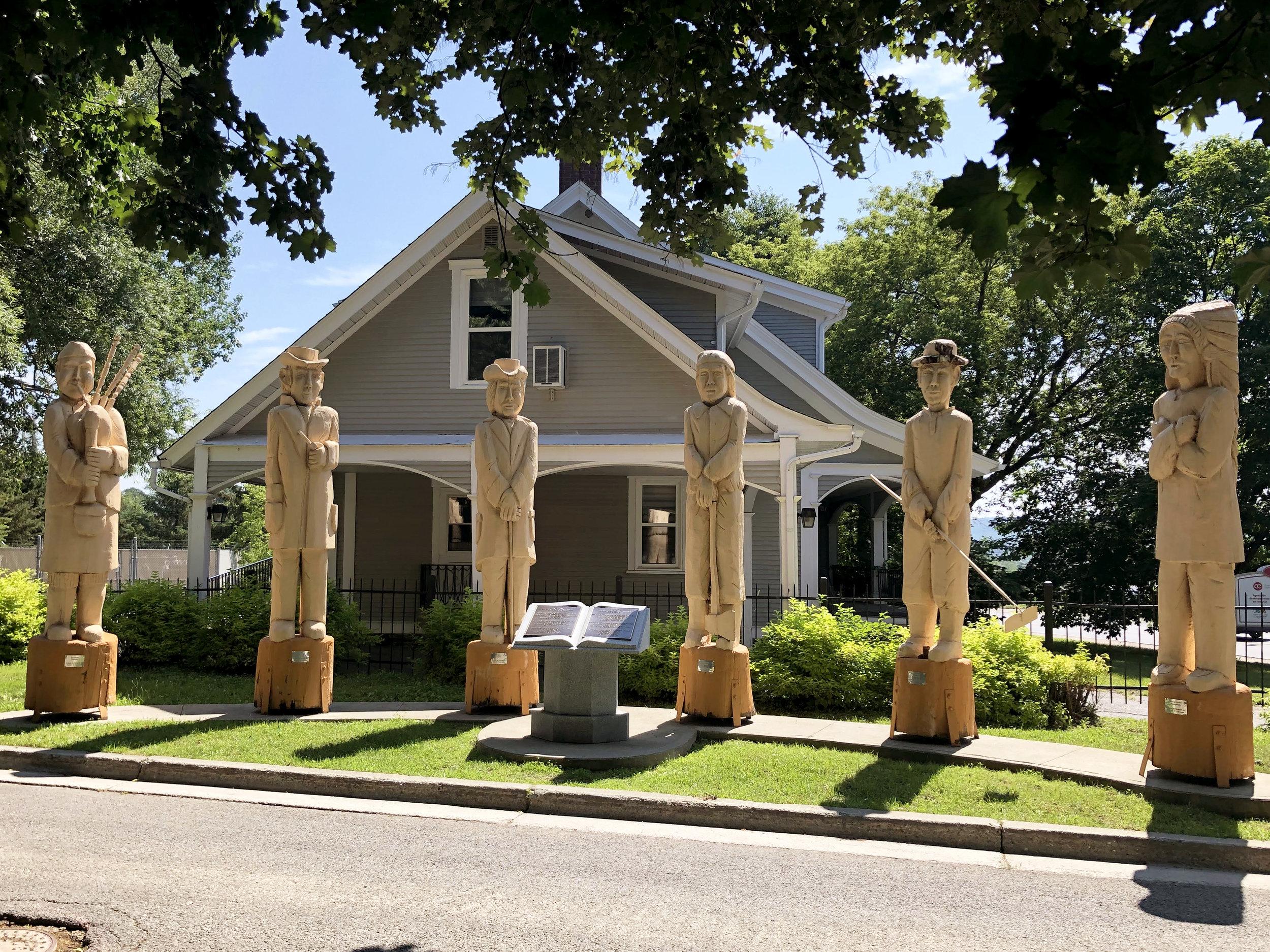 6-wooden-sculptures.jpg