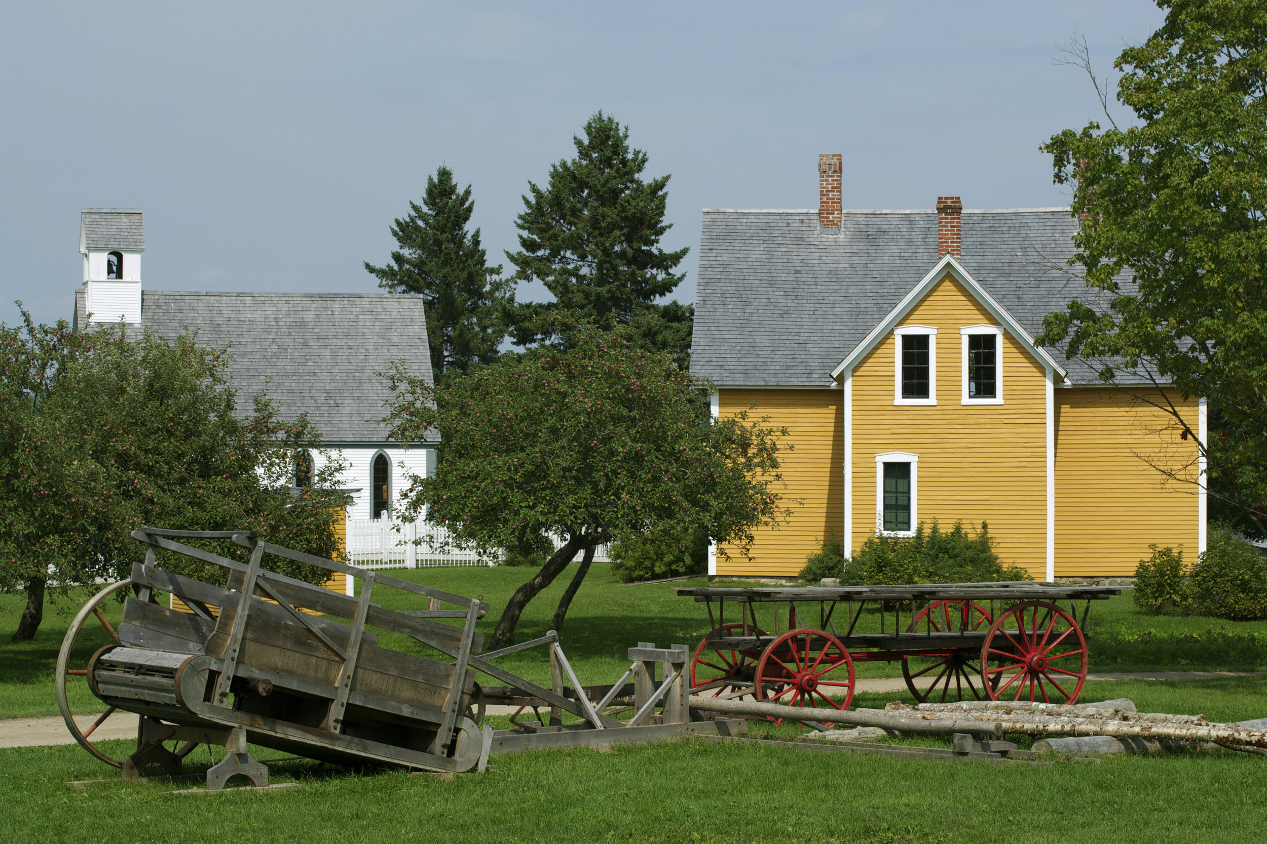 wagon-yellow-house-church-view.jpg