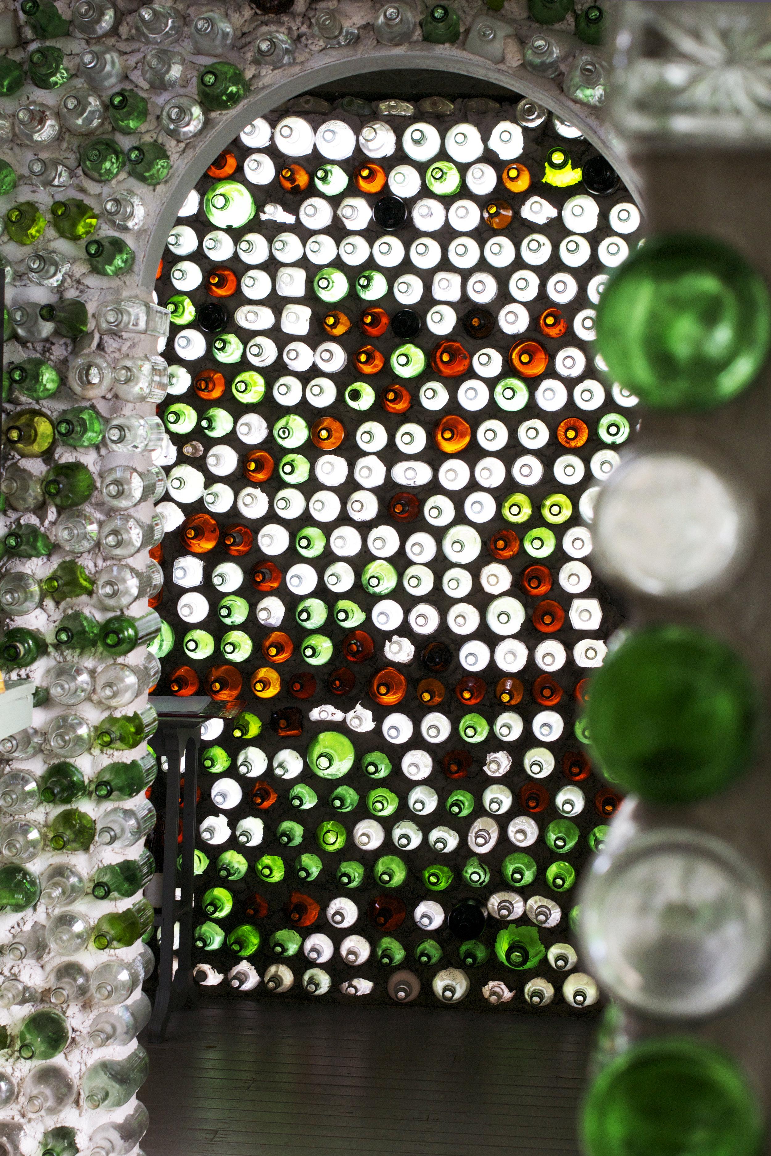 archway-peek-bottle-house.jpg