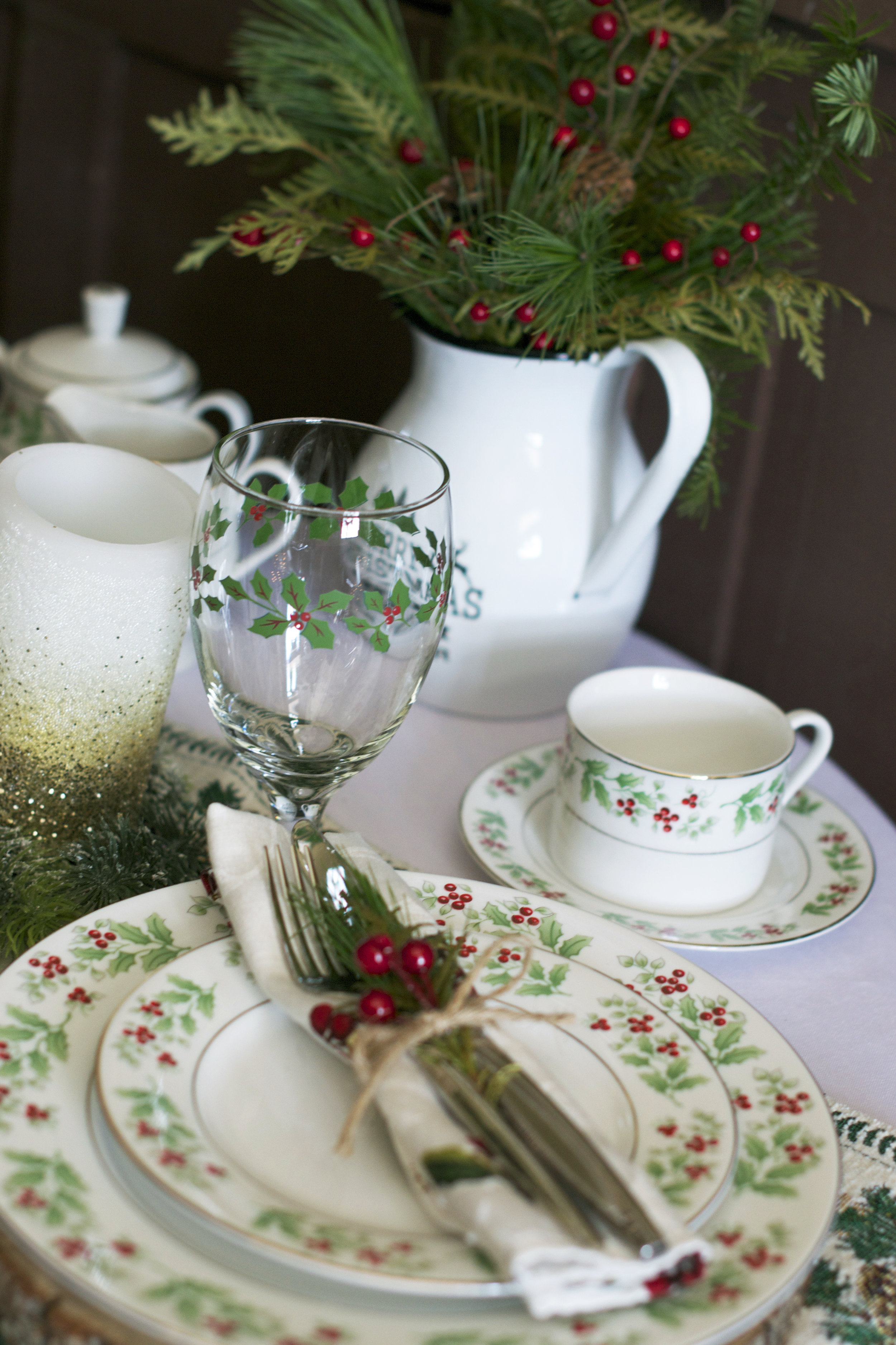 holly-place-setting.jpg