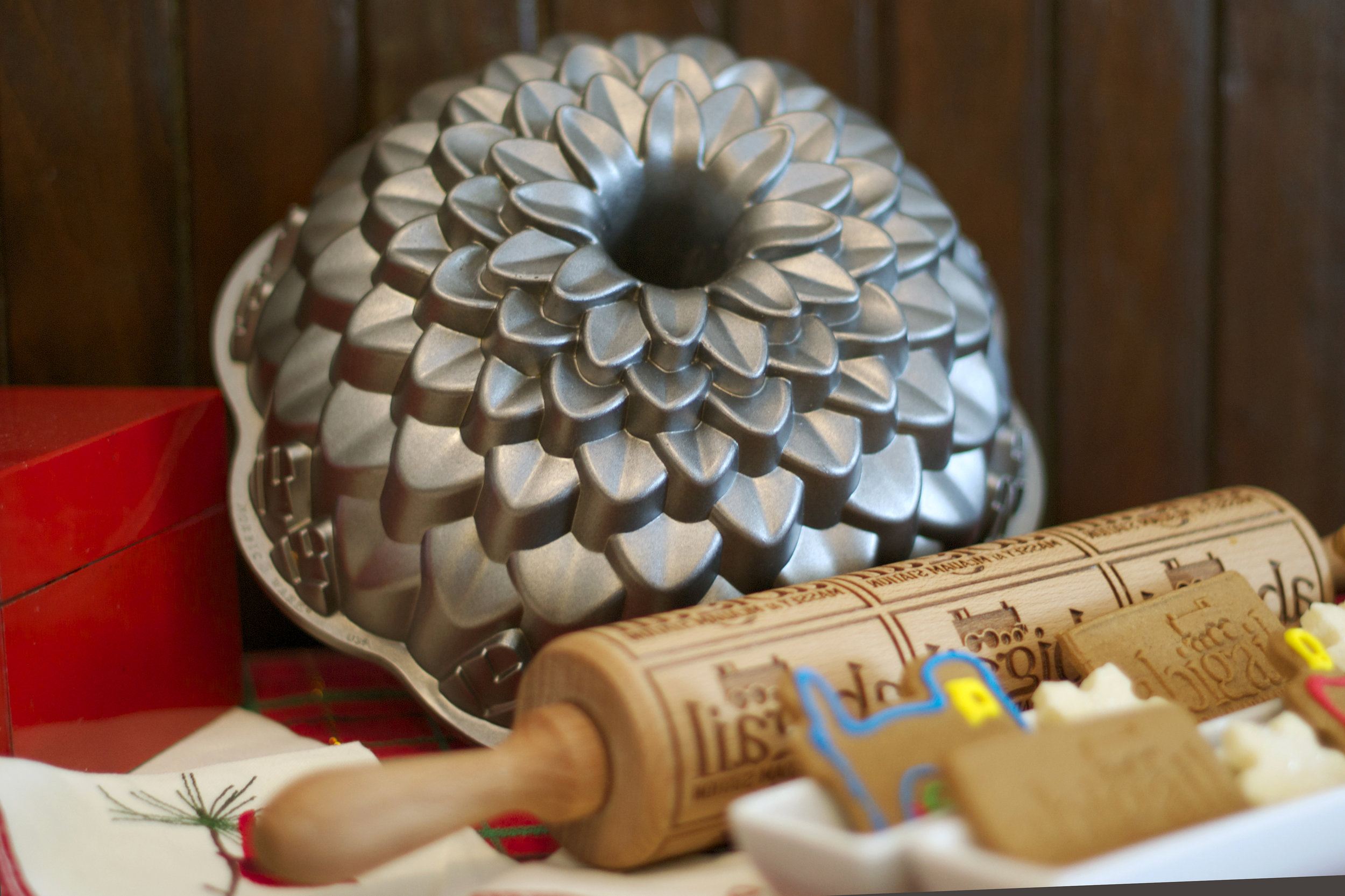jelly-mold-and-cookie-print-rolling-pin.jpg