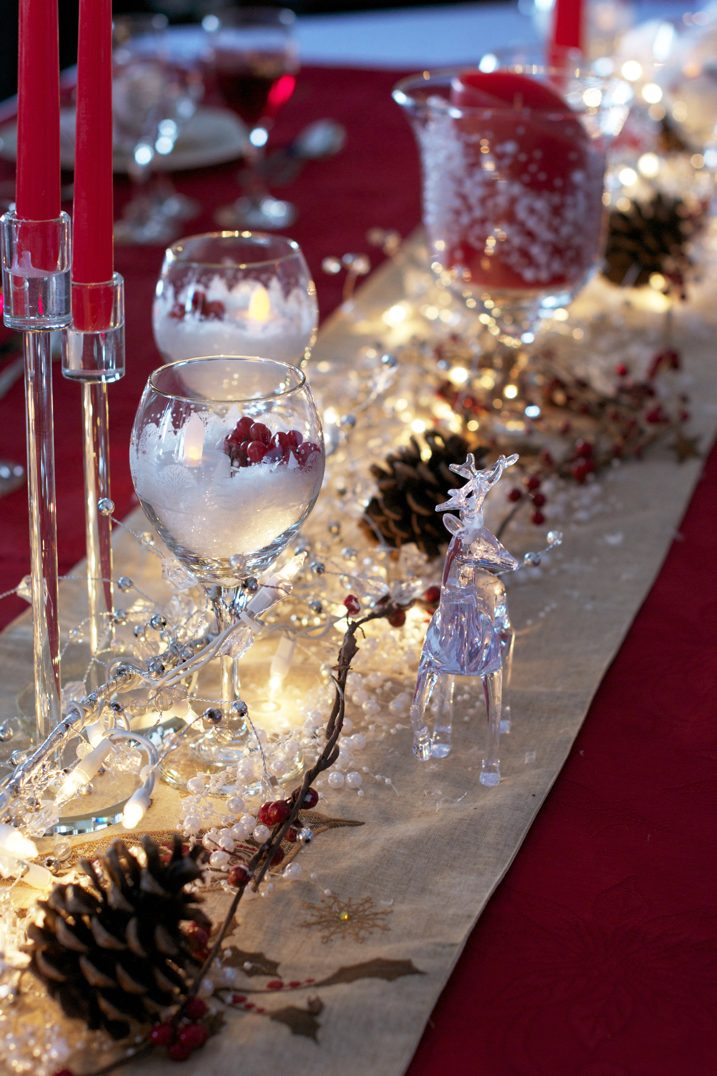red-candlesticks-tablescape.jpg