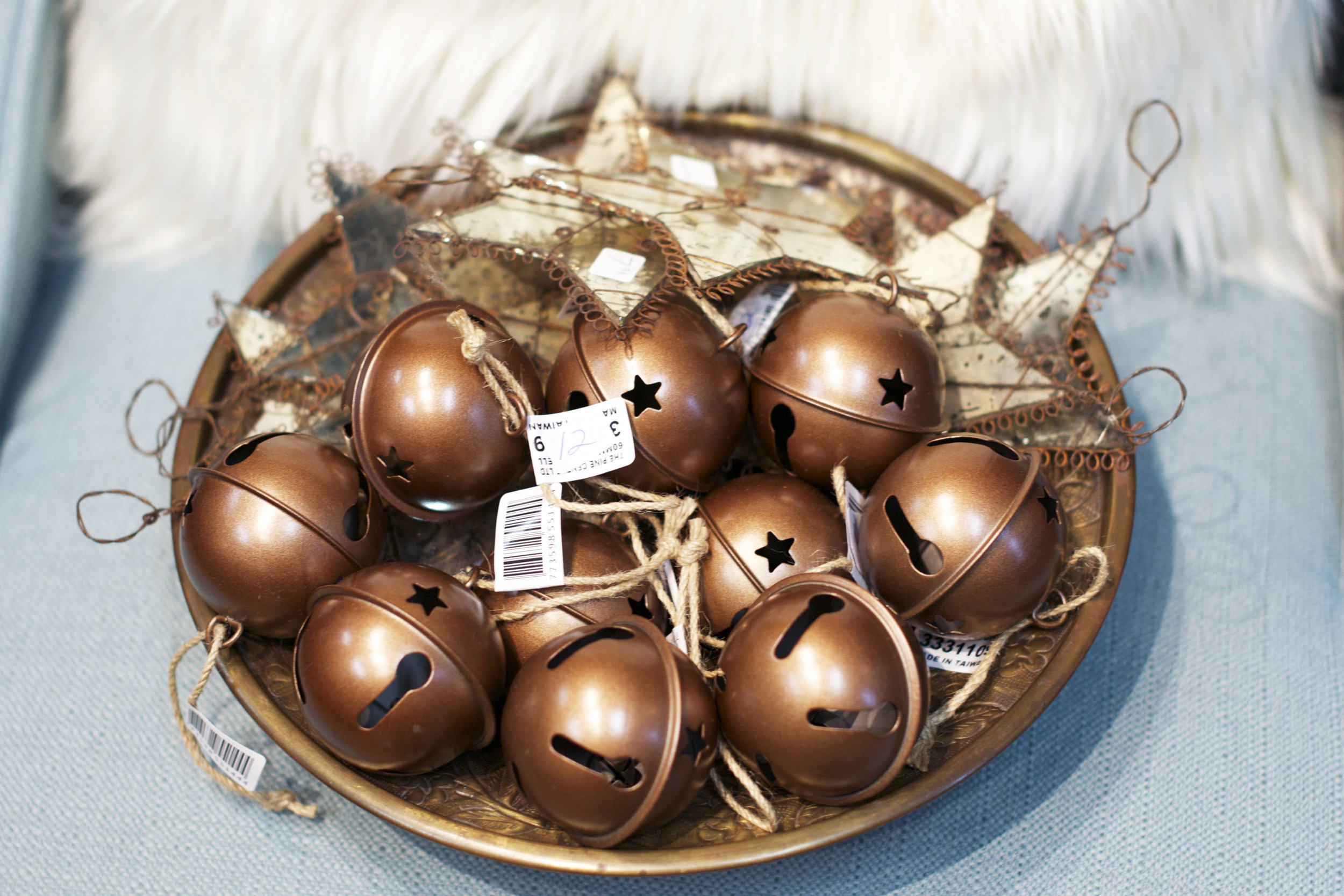 jingle-bells-and-stars-basket.jpg