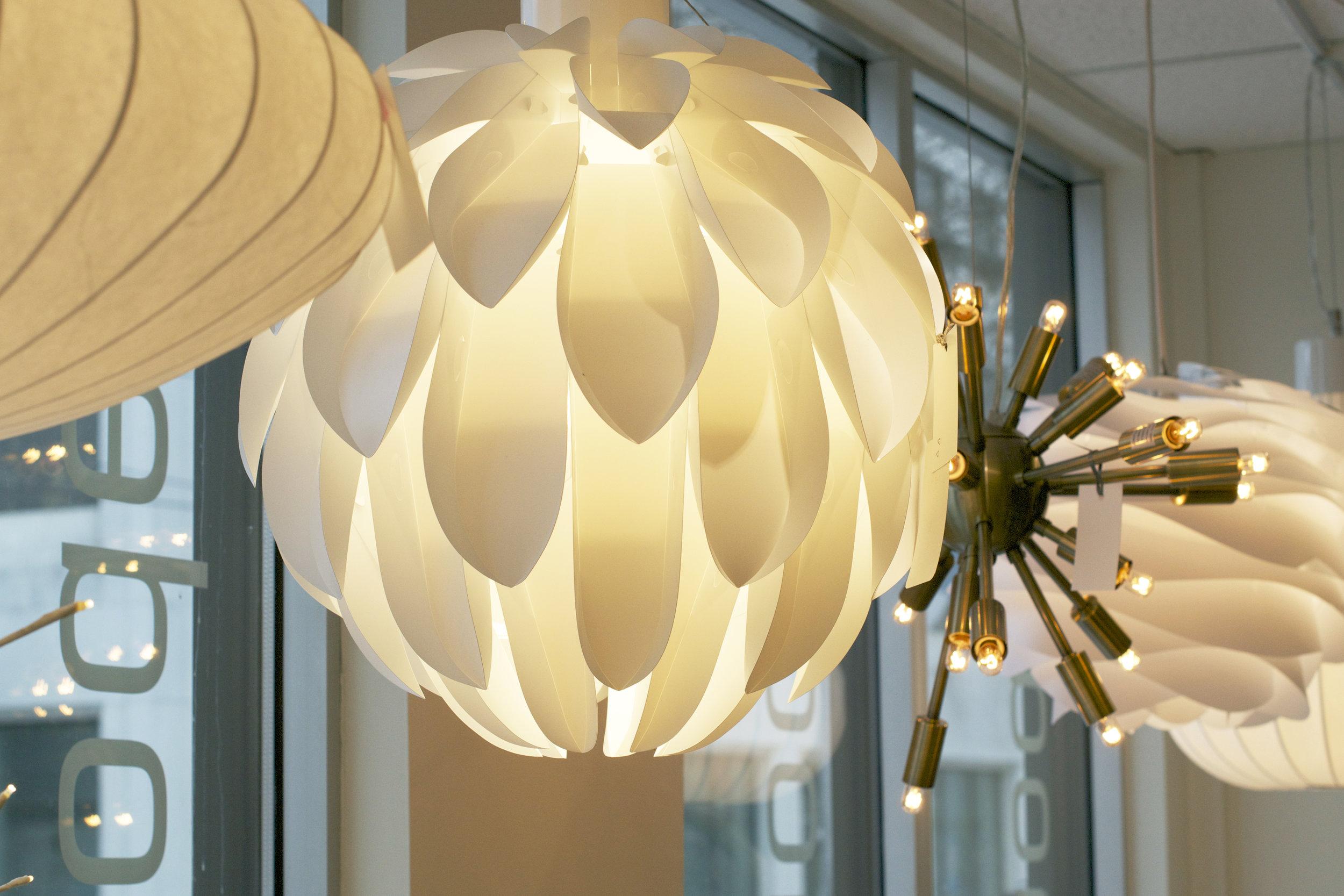 white-globe-lights.jpg