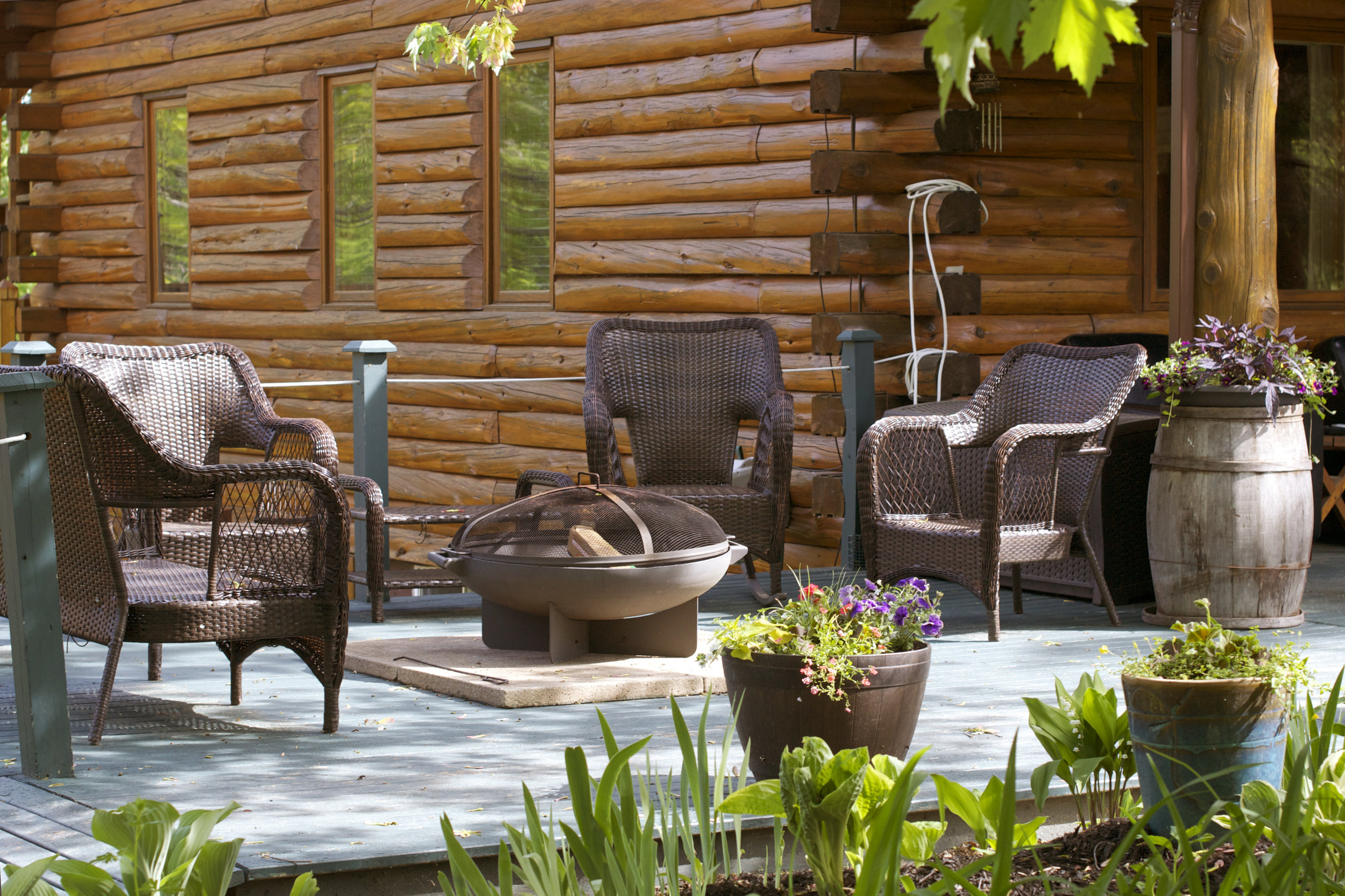 firepit-chairs-around.jpg
