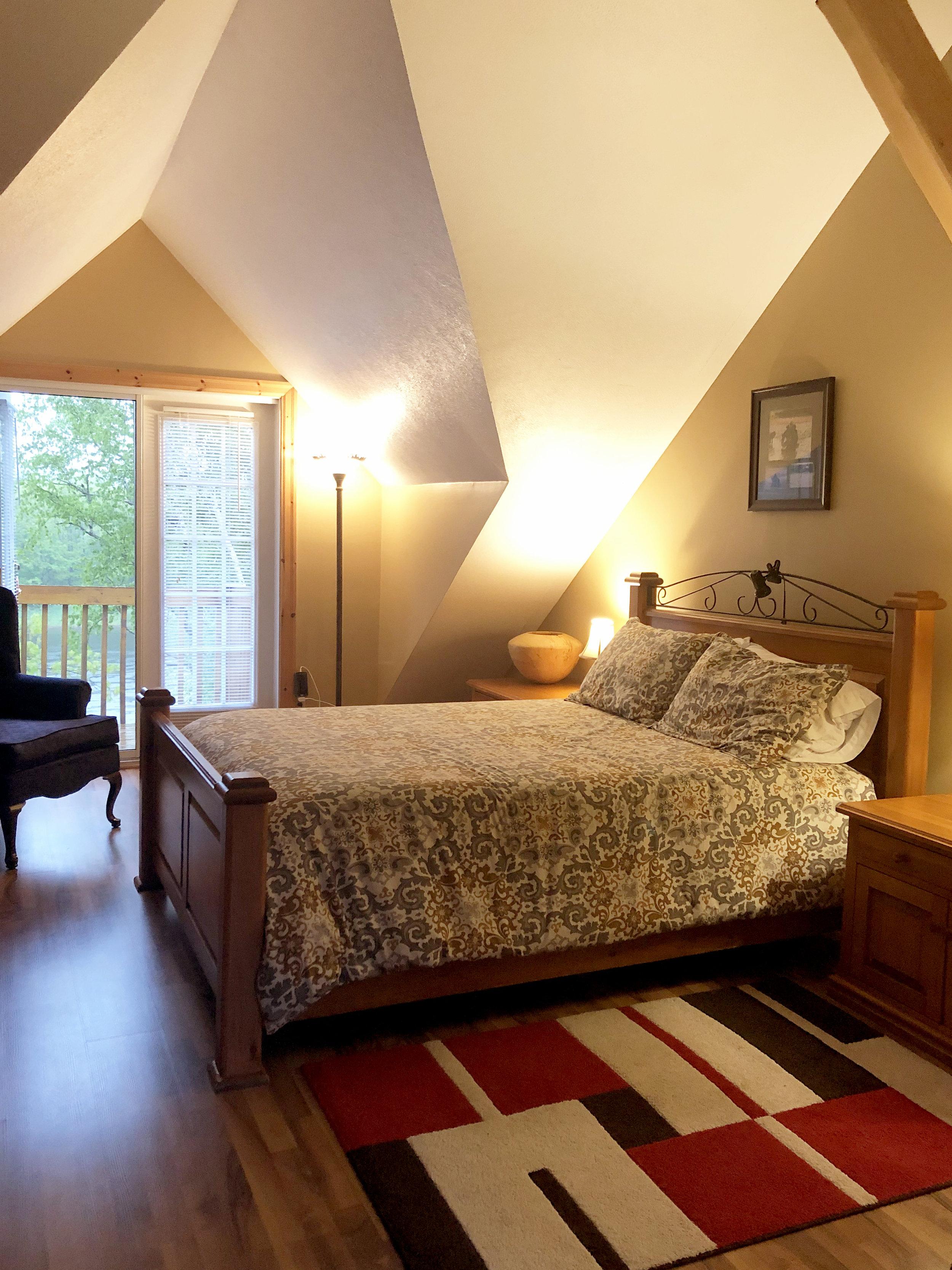 lodge-bedroom.jpg