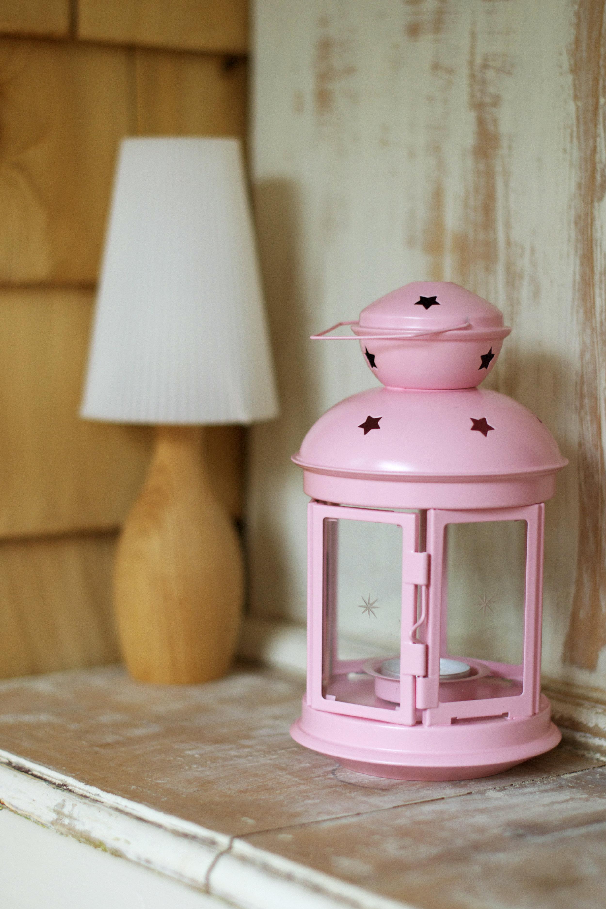 pink-lantern-and-lamp.jpg