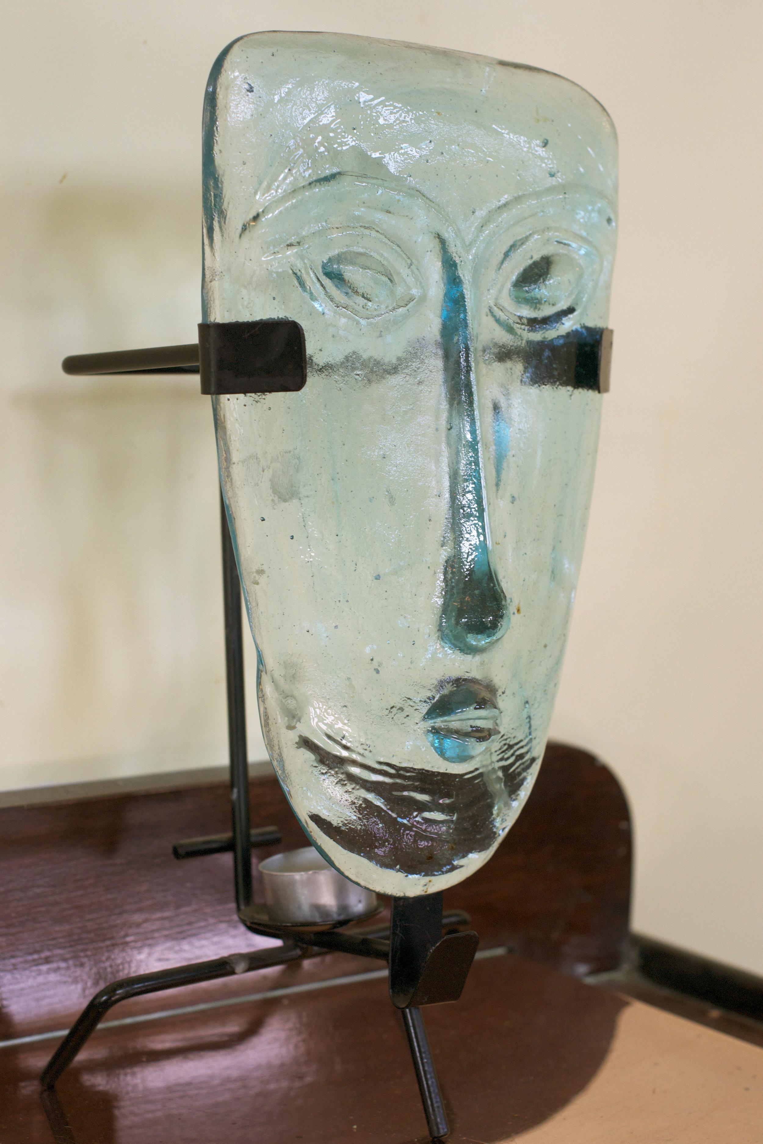 glass-face-sculpture.jpg