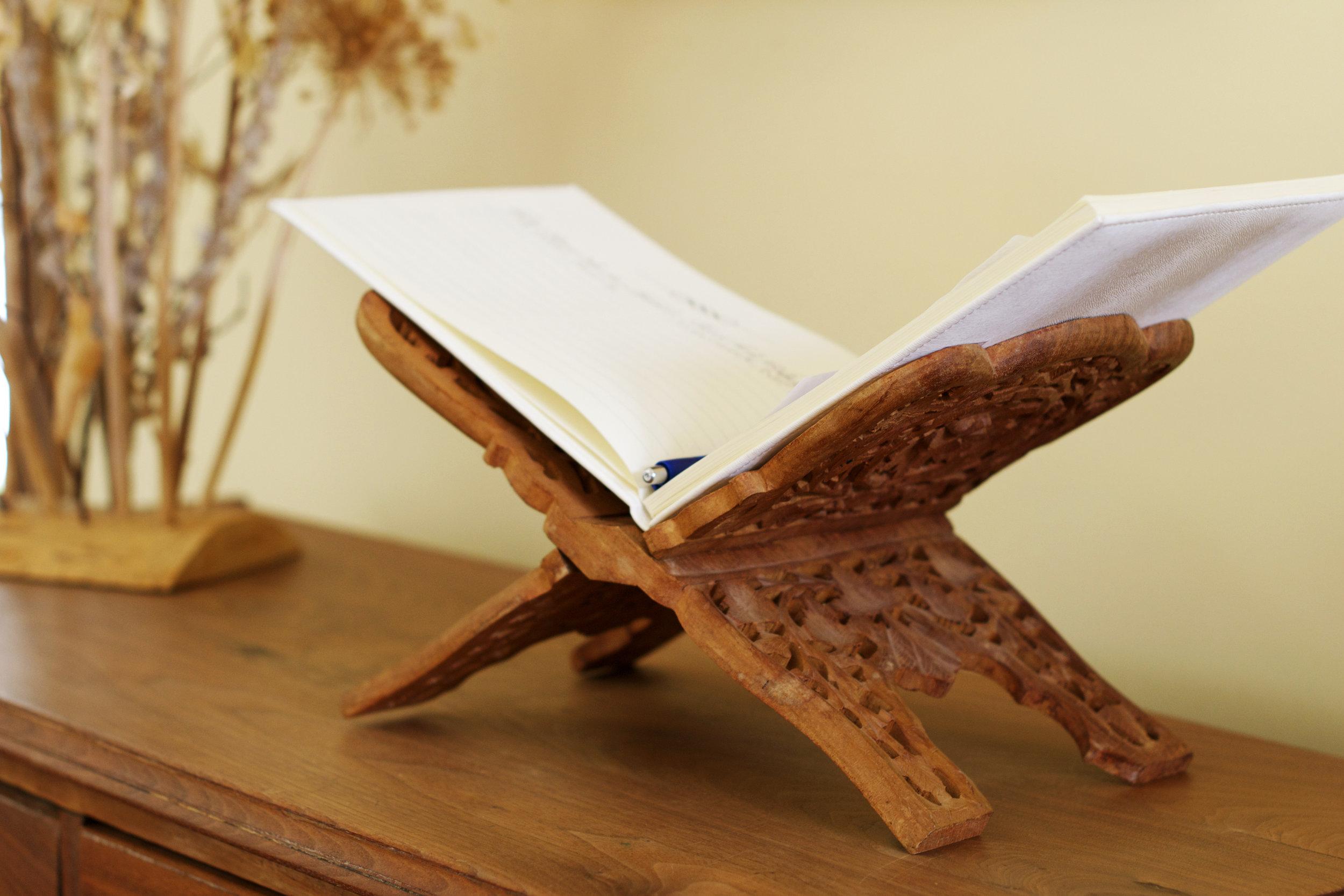 guest-book-stand.jpg