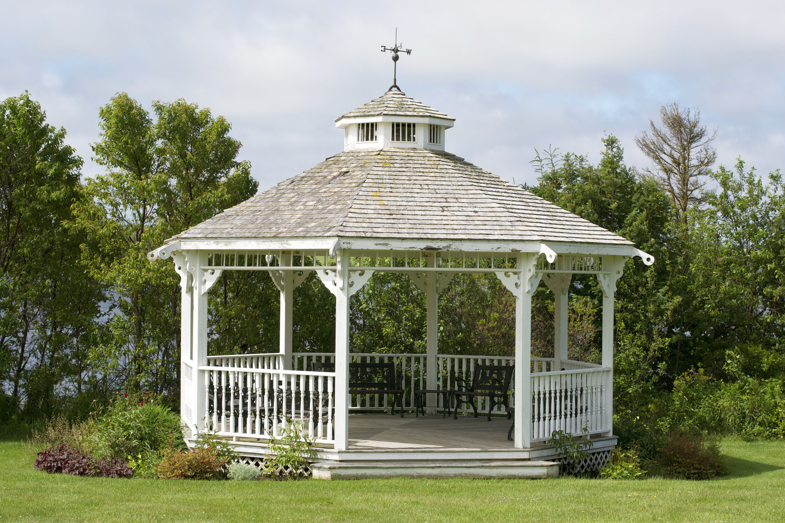 gazebo-close-up.jpg