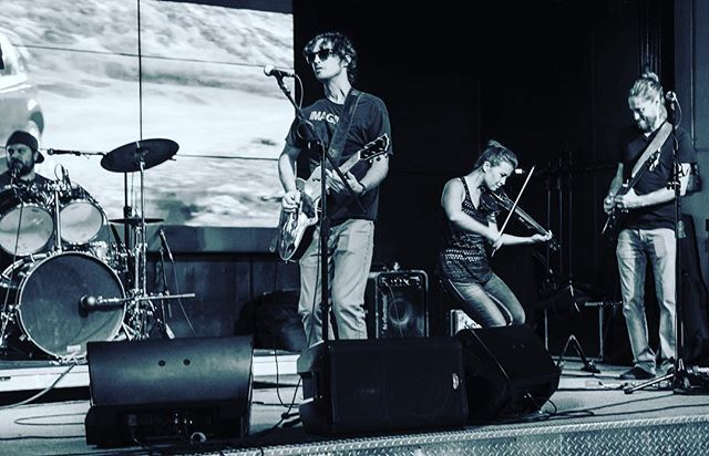 HEY #leessummit #kansascity we'll see you at Llywellyns Pub in #downtown Lee's Summit this Friday 8-11!! #flannigansrighthook