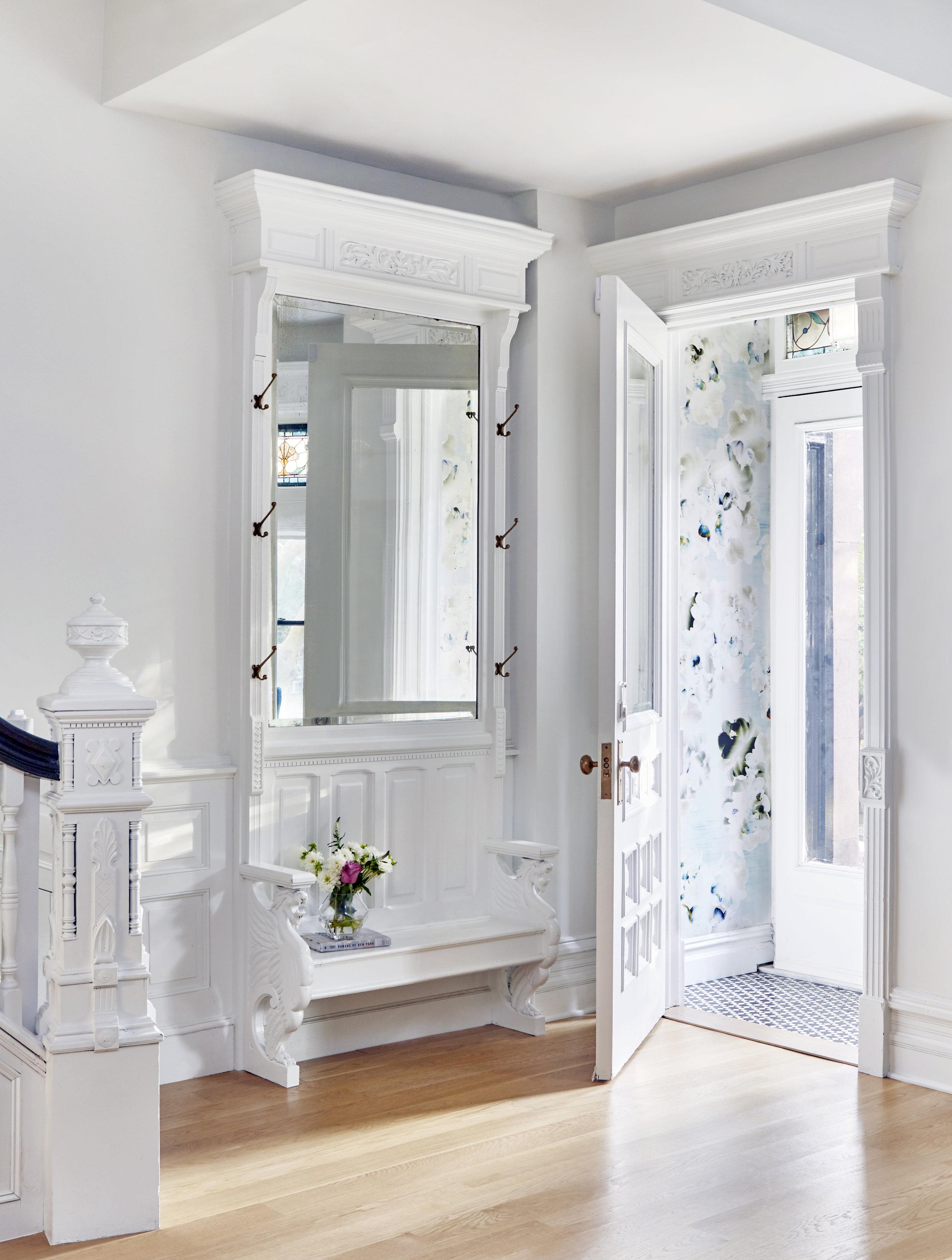 Entry-Floral-Wallpaper-Park-Slope-White-JMorris-Design.jpg