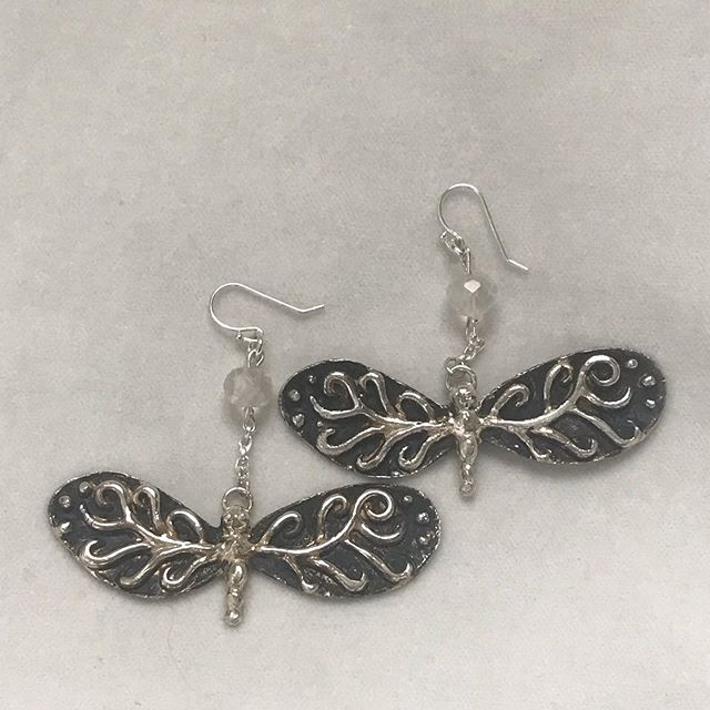 #dragonflyearrings #sterlingsilverdragonfly #earrings #sterlingsilverearrings #fashionjewelry #sterlingsilverjewelry #wearableart #silvercreations #handmadejewelry #moderndesign #jewelryart #jewelrylove #contemporaryjewelry #trendsetter #IGjewelry #jewelrylovers #highendjewelry #jewelrymaker #jewelrystyle #jewelrydesigner #handmadelove #originaljewelry #uniquejewelry #IGfashion #originalaccessories #creativejewelry #oneofakindjewelry #jewelryaddict #jewelrytrends