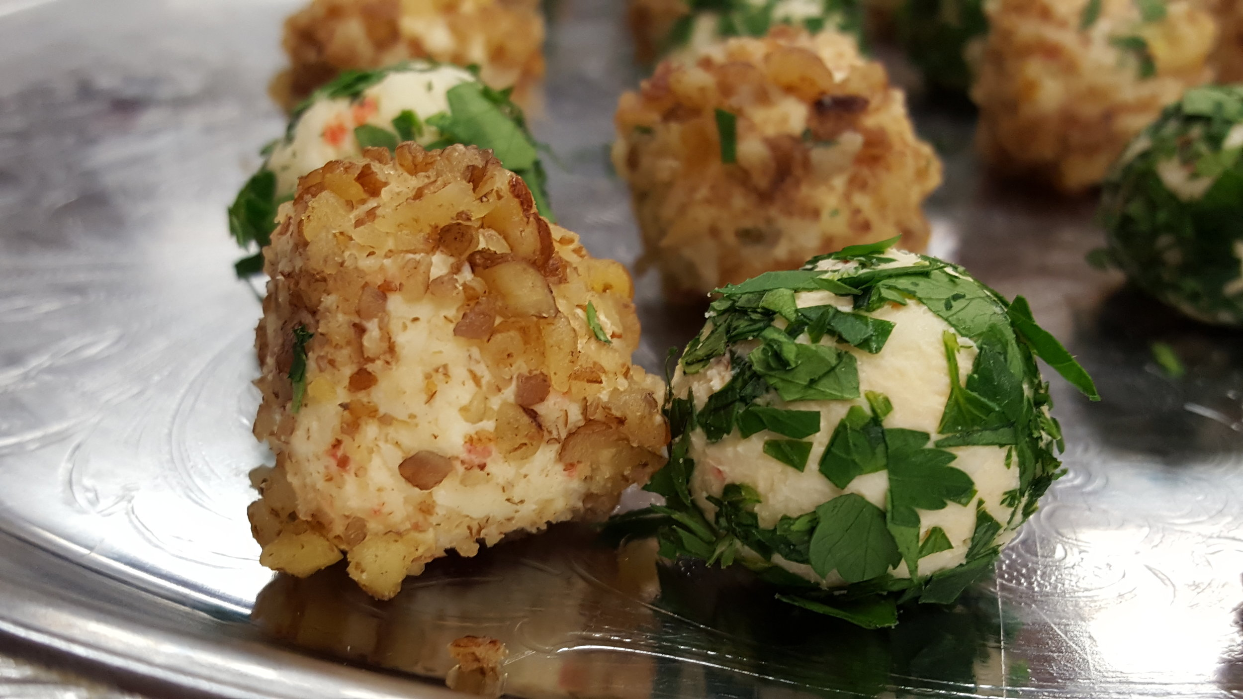 Pecan Cranberry cheese balls, nuts & herbs.jpg