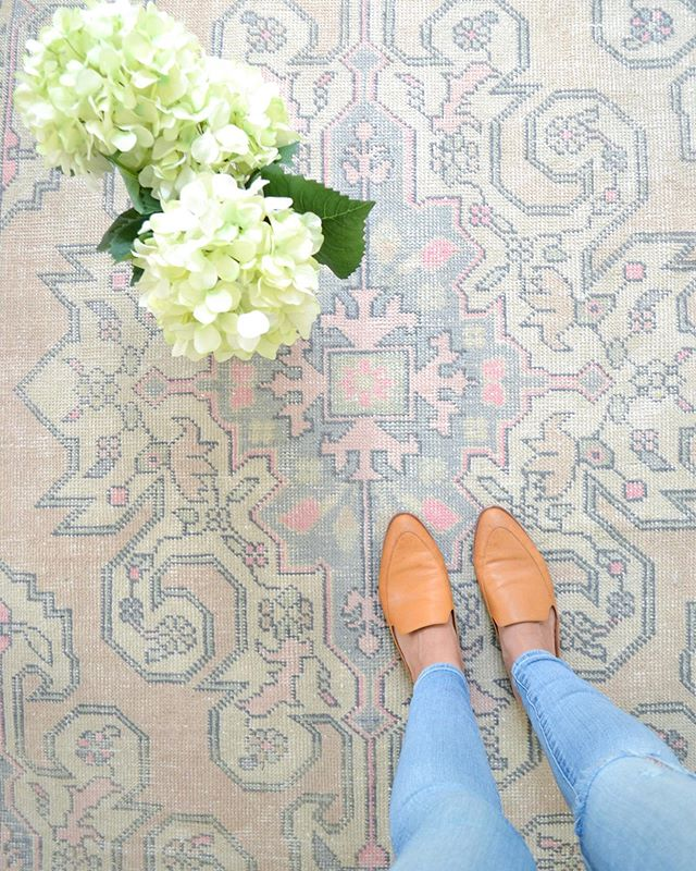 My view this week. Crushing on this @meganmolten rug, the 3 hydrangea blooms left from our yard my dog didn't destroy, + the cold glass of wine my hubby just put into my hand. Thankful!!     #durhamnc #bullcity #iheartthishaven #howyouhome  #currenthomeview  #habitandhome #raleighnc #vintagerugs  #mybhg #heyhomehey #rshome  #mypinterest #simplystyleyourspace  #betterhomesandgardens #inmydomaine  #mymodern  #bhgstylemaker  #glitterguide  #apartmenttherapy #smpliving #smploves  #sodomino  #howihaven #littleaccountlove #thedarlingmovement #rugsforsale #coastalinteriors  #thenewsouthern