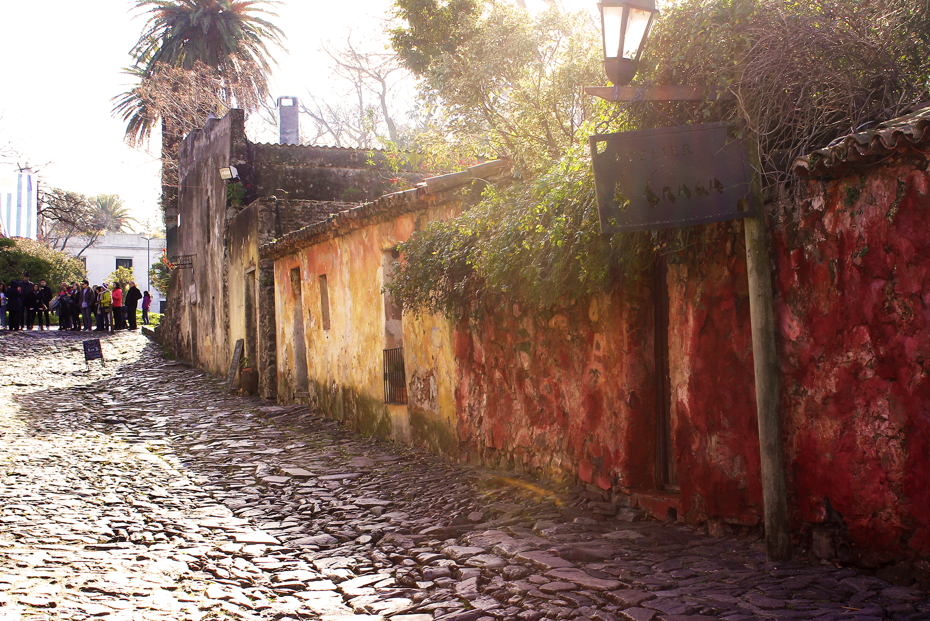 Travel blog street photography in Colonia del Sacramento, Uruguay