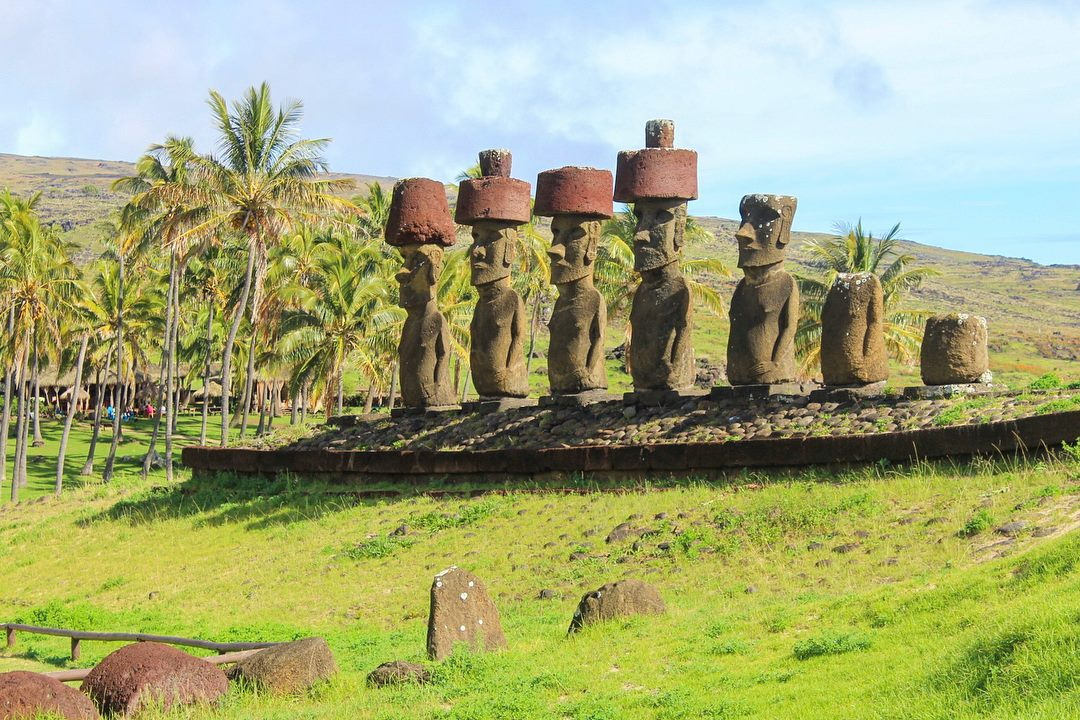 Full travel blog guide to budget travel in Easter Island, Rapa Nui