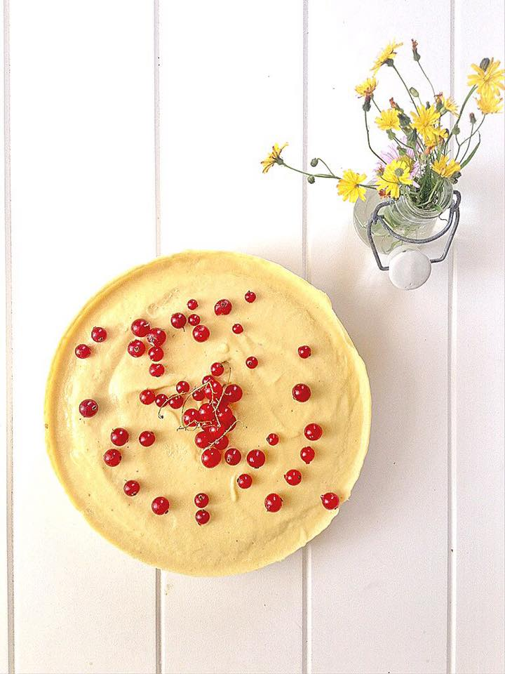 RAW VEGAN MANGO SUNSHINE CAKE