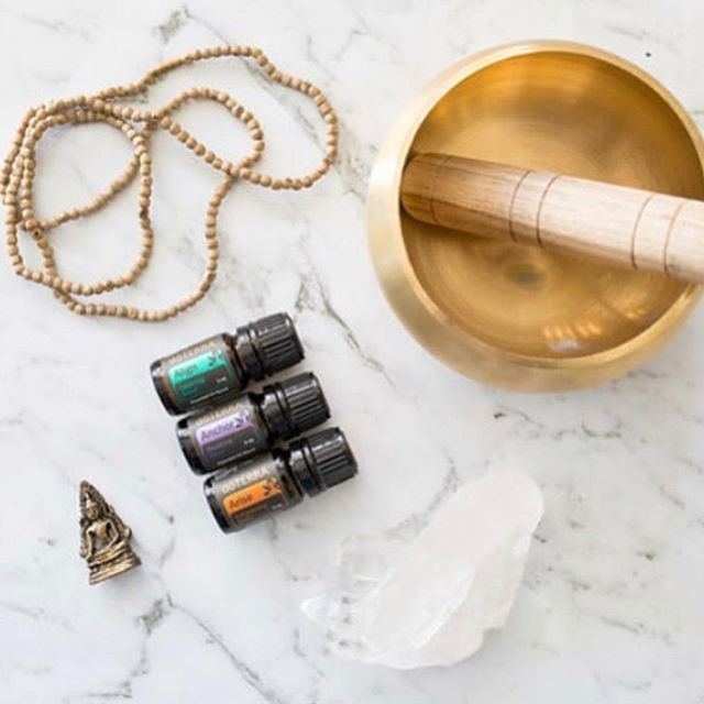 Self love and self care time tonight. Sound bath, oils, tarot and Kundalini. The moon makes me do it. 😚 🌑 🌒 🌓 Astrology is my latest interest. Been completing my studies in the past couple of month. Always been fascinated by ancient Egyptology that led me into astrology. I read the Egyptian tarot for someone last night and I was blown away how much information I could give. Planetary cycles and moon phases, manifestation, intention and soul work. So FASCINATING!!! I can't wait for tonight. Just me and my soul! 🙏  On Monday I have some amazing new oil class dates coming, stay tuned, learn about supporting your needs with oils. One more thing before I go: would you come and learn how to read the tarot if I did a workshop on it ? . . . #conciousliving #nowasteliving #healthcoach #iin #conciousconsumer #nontoxichome #nontoxicliving #doterraessentialoils #oilcure #oillife #shareoils #jersey #channelislands #kundalini #selflove #metime