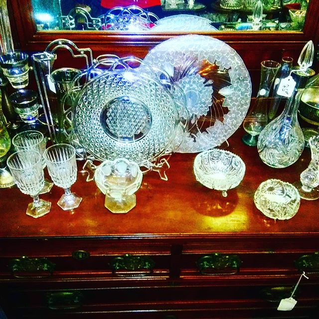 Happy Sunday everyone! We have  beautiful 😍 vintage Glassware and more for everybody to enjoy please come by or call to add these items and more to your home. Info is in the bio. PayPal ready.