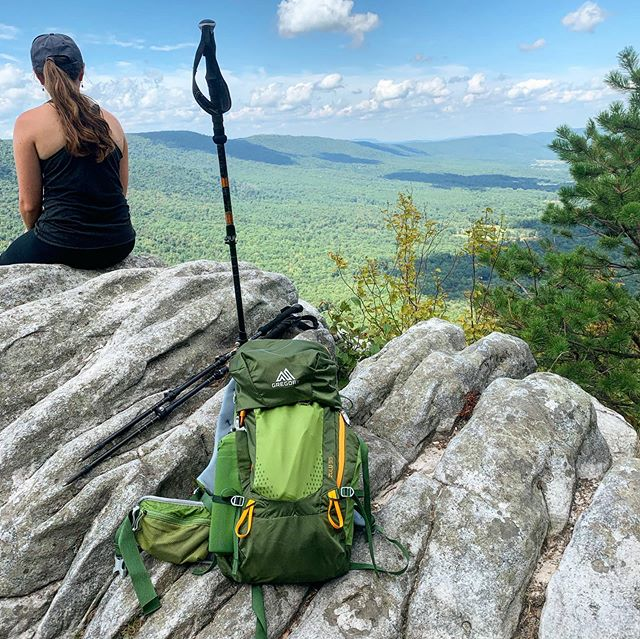Testing out some new gear on one of my favorite treks in the George Washington Forest. A short 3.1 mile trek with over 900 feet of elevation gain offers a nearly 270° breathtaking vista of Shenandoah. If you haven't hiked Tibbet Knob, put it on your list!