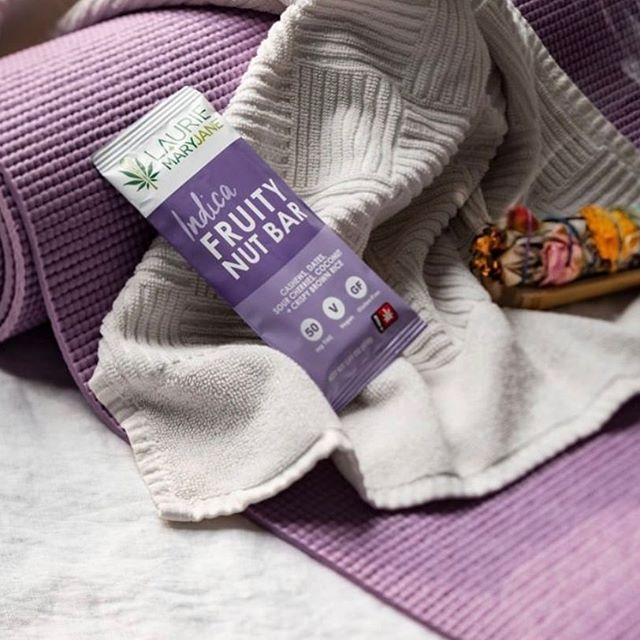 Yoga + Indica is a winning combo for this Saturday. #edibles #fruitynutbar #relax #recharge pc: @laurieandmaryjane