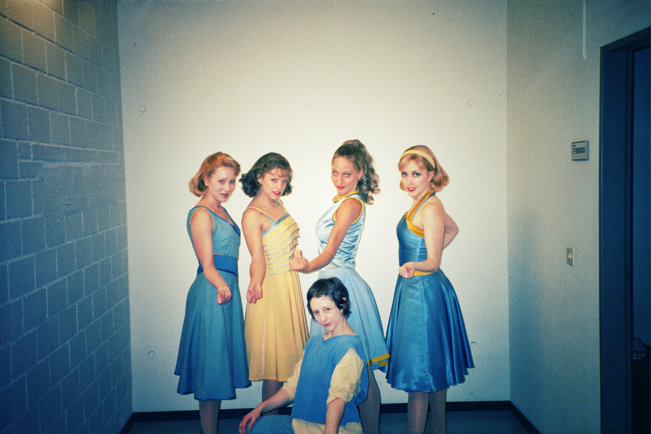 """Jessica and fellow """"Jet Girls"""" backstage, World Tour """"West Side Story"""""""