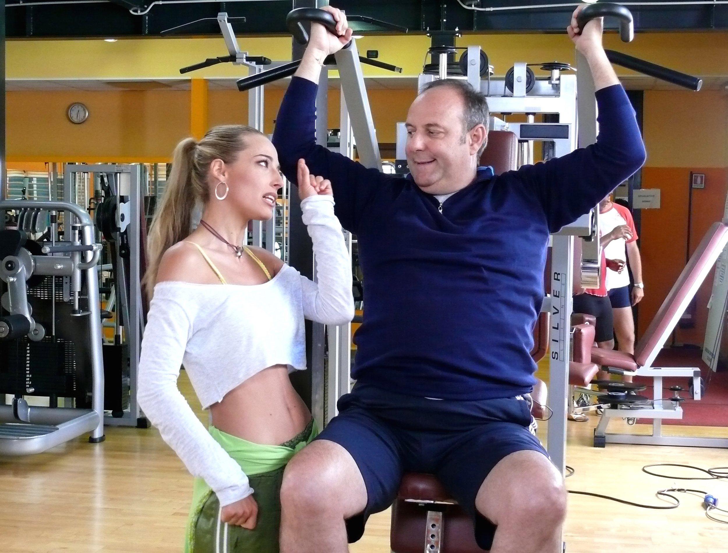 """Jessica in scena con Gerry Scotti per la fiction di Mediaset """"Finalmente a casa"""""""