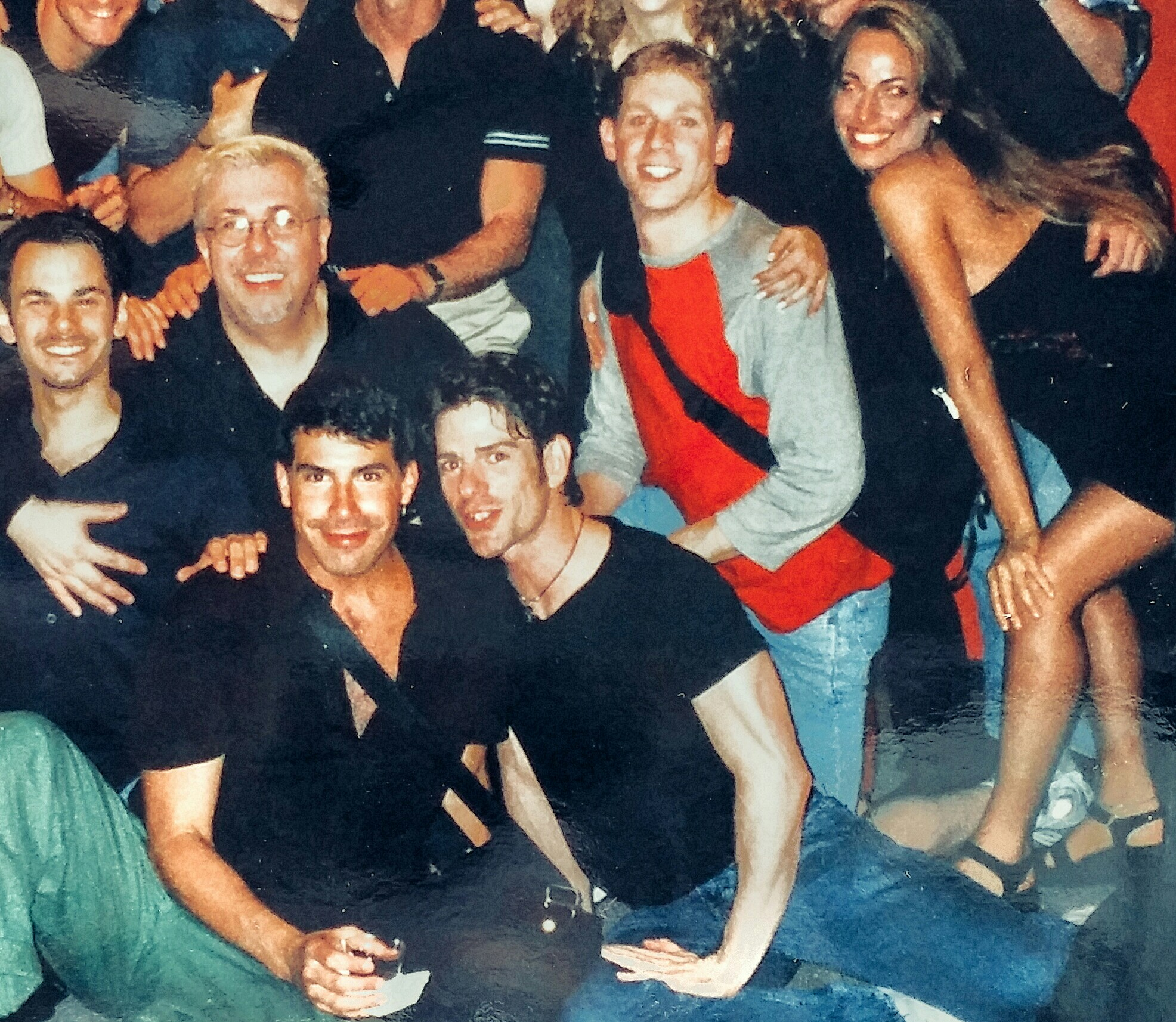 """Jessica a NYC con il cast dello spettacolo """"Jeffrey"""" al Lincoln Center Theatre di Broadway, con protagonista Bryan Batt"""